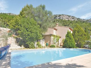 4 bedroom Villa in Tourrettes, Cote D Azur, Alps, France : ref 2041770 - Tourrette-Levens vacation rentals