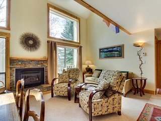 Elkhorn ski in / ski out condo w/ shared pool & hot tub! Walk to lifts! - Sun Valley vacation rentals