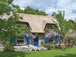 2 bedroom Villa in Tregunc, Brittany - Northern, Finistere, France : ref 2041862 - Tregunc vacation rentals
