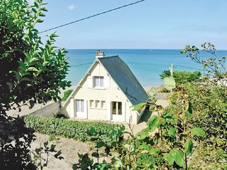 3 bedroom Villa in Saint Pair Sur Mer, Normandy, Manche, France : ref 2042096 - Saint-Pair-sur-Mer vacation rentals