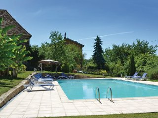 4 bedroom Villa in Jumilhac, Aquitaine, Dordogne, France : ref 2042130 - Jumilhac-le-Grand vacation rentals