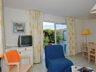 1 bedroom Apartment in Six Fours les Plages, Cote D Azur, Var, France : ref - Six-Fours-les-Plages vacation rentals
