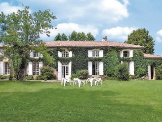 6 bedroom Villa in Aillas Le Grand, Aquitaine, Gironde, France : ref 2042339 - Labescau vacation rentals