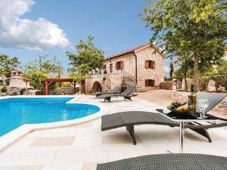2 bedroom Villa in Krk, Kvarner, Croatia : ref 2042941 - Rasopasno vacation rentals