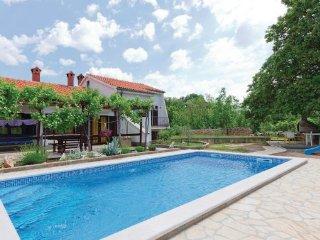 3 bedroom Villa in Krk, Kvarner, Croatia : ref 2043235 - Risika vacation rentals