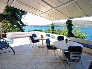 5 bedroom Villa in Ciovo, Central Dalmatia, Croatia : ref 2043335 - Okrug Donji vacation rentals