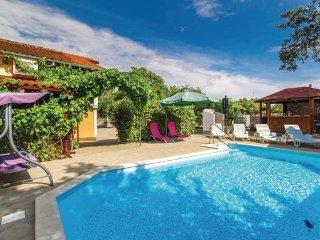 3 bedroom Villa in Krk, Kvarner, Croatia : ref 2043480 - Vantacici vacation rentals