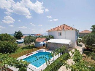 6 bedroom Villa in Pasman, Northern Dalmatia, Croatia : ref 2043538 - Kraj vacation rentals