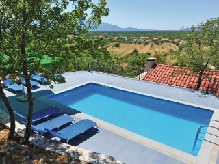 4 bedroom Villa in Makarska, Central Dalmatia, Croatia : ref 2045215 - Slime vacation rentals