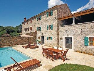 2 bedroom Villa in Groznjan, Istria, Croatia : ref 2046397 - Groznjan vacation rentals