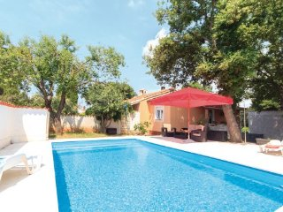 3 bedroom Villa in Pula, Istria, Croatia : ref 2047065 - Vinkuran vacation rentals