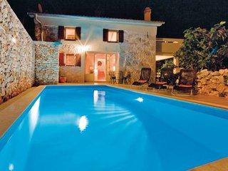 2 bedroom Villa in Krk, Kvarner, Croatia : ref 2047248 - Garica vacation rentals