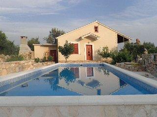 3 bedroom Villa in Solta, Central Dalmatia, Croatia : ref 2088658 - Gornje Selo vacation rentals