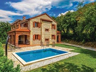 4 bedroom Villa in Crikvenica, Kvarner, Croatia : ref 2088958 - Kamenjak vacation rentals