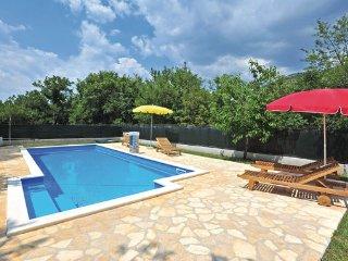 4 bedroom Villa in Trogir, Central Dalmatia, Croatia : ref 2088976 - Prapatnica vacation rentals