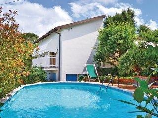2 bedroom Villa in Massarosa, Tuscany Coast, Versilia, Italy : ref 2090110 - Montemagno vacation rentals
