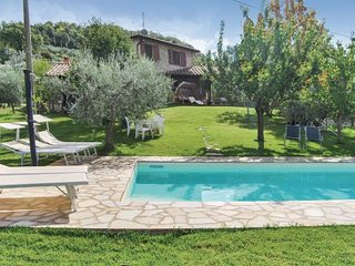 4 bedroom Villa in Gaglietole, Umbria, Perugia, Italy : ref 2090677 - Gaglietole vacation rentals