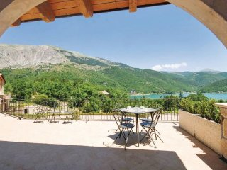 2 bedroom Villa in Lago di Scanno, Abruzzo, Italy : ref 2090681 - Villalago vacation rentals