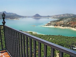4 bedroom Villa in Iznajar, Andalucia, Spain : ref 2090751 - Iznajar vacation rentals