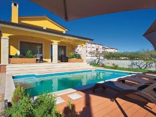 3 bedroom Villa in Porec, Istria, Croatia : ref 2095662 - Zbandaj vacation rentals