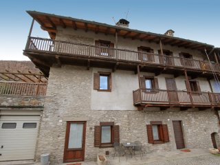 Comfortable Apartment in Sarre with Television, sleeps 4 - Sarre vacation rentals