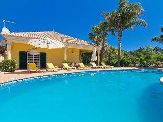 2 bedroom Villa in Quinta Do Lago, Algarve, Portugal : ref 2098870 - Almancil vacation rentals
