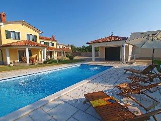 3 bedroom Villa in Trget, Istria, Croatia : ref 2099140 - Rebici vacation rentals