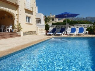 4 bedroom Villa in Altea, Alicante, Costa Blanca, Spain : ref 2135040 - L'Alfas del Pi vacation rentals