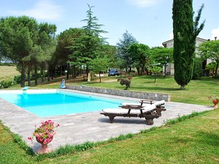 2 bedroom Apartment in Poggibonsi, Chianti, Tuscany, Italy : ref 2293997 - Poggibonsi vacation rentals