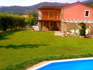 3 bedroom Villa in Lucca, Lucca And Surroundings, Tuscany, Italy : ref 2135307 - Ponte a Moriano vacation rentals