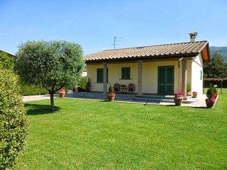 2 bedroom Villa in Marina di Pietrasanta, Versilia, Tuscany, Italy : ref 2135481 - Tonfano vacation rentals
