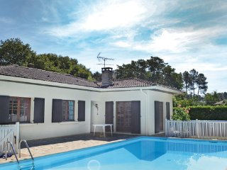 3 bedroom Villa in Garosse, Landes, France : ref 2183992 - Garrosse vacation rentals