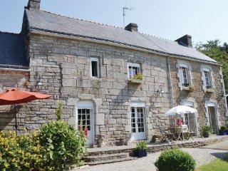 4 bedroom Villa in Scaer, Finistere, France : ref 2184623 - Bannalec vacation rentals