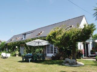 4 bedroom Villa in Scaer, Finistere, France : ref 2184637 - Bannalec vacation rentals