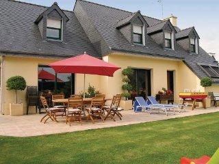 5 bedroom Villa in Tregunc, Finistere, France : ref 2184886 - Concarneau vacation rentals