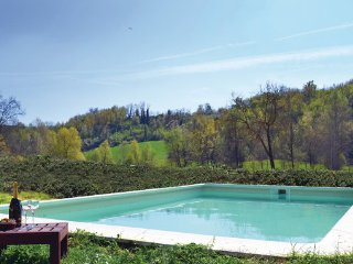 5 bedroom Villa in Monferrato, Piedmont Countryside, Italy : ref 2186686 - Serralunga di Crea vacation rentals