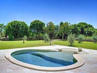 3 bedroom Villa in Pula Duga uvala, Istria, Croatia : ref 2213761 - Peruski vacation rentals