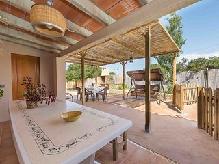 Comfortable House with Internet Access and Patio - S'illot vacation rentals