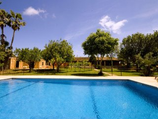 Comfortable 5 bedroom Porto Cristo House with Internet Access - Porto Cristo vacation rentals