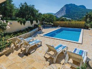 2 bedroom Villa in Split-Zrnovnica, Split, Croatia : ref 2219099 - Zrnovnica vacation rentals
