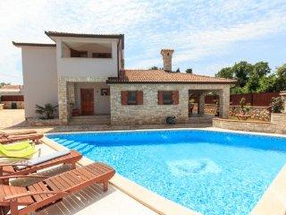 4 bedroom Villa in Duga Uvala-Kavran, Duga Uvala, Croatia : ref 2219732 - Kavran vacation rentals