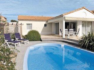 3 bedroom Apartment in Les Sables-d Olonne, Vendee, France : ref 2220020 - Chateau-d'Olonne vacation rentals