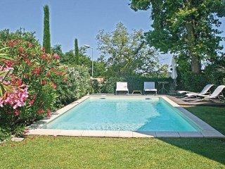 3 bedroom Villa in St-Remy-de-Provence, Bouches Du Rhone, France : ref 2220353 - Saint-Remy-de-Provence vacation rentals