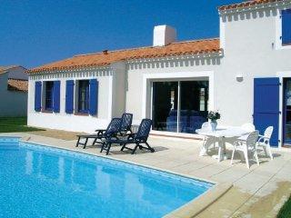 4 bedroom Villa in St-Jean-de-Monts, Vendee, France : ref 2220434 - Saint-Jean-de-Monts vacation rentals