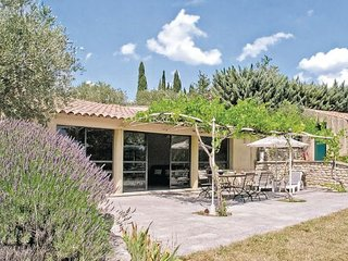 2 bedroom Villa in Bonnieux, Vaucluse, France : ref 2220511 - Bonnieux en Provence vacation rentals