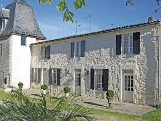 2 bedroom Villa in Beurlay, Charente Maritime, France : ref 2220548 - Beurlay vacation rentals