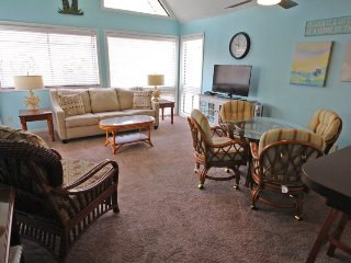 Awesome Vacation Condo ....Tommy Bahama meets Jimmy Buffet..12348 - Arcadian Shores vacation rentals