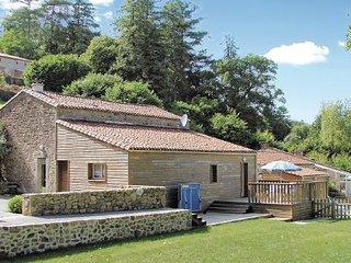 4 bedroom Villa in St.Mars La Reorthe, Vendee, France : ref 2220760 - Saint-Mars-la-Reorthe vacation rentals