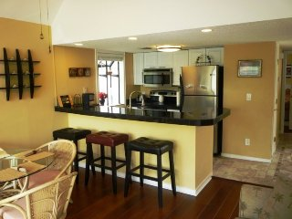 Beautiful Vacation Condo- Wood Floors, Paddle Fans, High End Appliances..10340 - Arcadian Shores vacation rentals