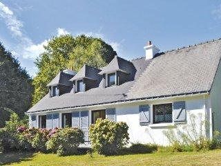 4 bedroom Villa in Moelan sur Mer, Finistere, France : ref 2220997 - Clohars-Carnoet vacation rentals